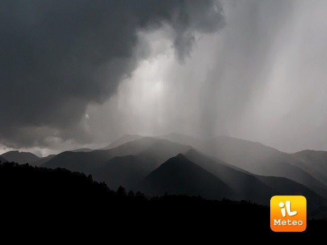 Meteo AOSTA: oggi pioggia, Lunedì 18 cielo coperto, Martedì 19 pioggia - iL Meteo
