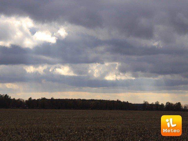 Meteo ELBA: oggi cielo coperto, Venerdì 29 e Sabato 30 nubi sparse