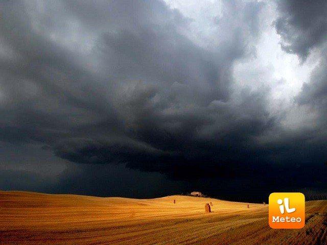 Meteo CINQUE TERRE: oggi temporali e schiarite, Giovedì 21 e Venerdì 22 temporali