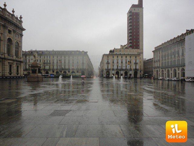 Meteo TORINO: oggi pioggia debole, Sabato 17 sereno, Domenica 18 nubi sparse