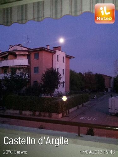 Foto meteo castello d 39 argile castello d 39 argile ore 19 44 - Piscina a castello d argile ...