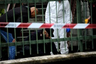 Anziana scomparsa da tre giorni: cadavere trovato sotto il letto dei vicini