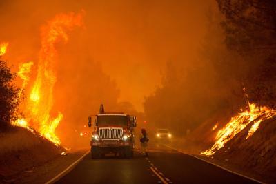 Emergenza incendi in California: paura e case evacuate
