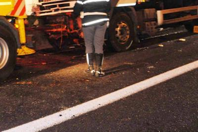 Incidente nella notte: 4 morti. Tre vittime sono del Parmense