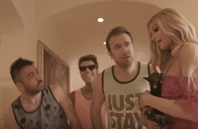Fedez & J-Ax: il video di 'Senza Pagare' è pieno di VIP
