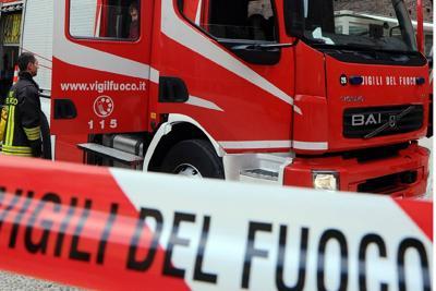 Incidente sul lavoro alla LTC di via Novara, un ferito