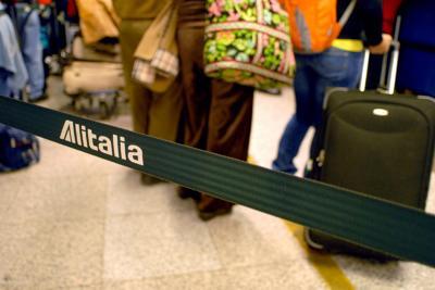 Hai prenotato un volo con Alitalia? Ecco cosa rischi