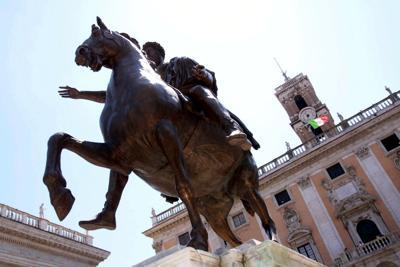 Roma, Marra e Scarpellini tornano in libertà. Raggi sarà interrogata