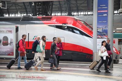 Trenitalia: abbonamenti alta velocità, aumenti del 35%