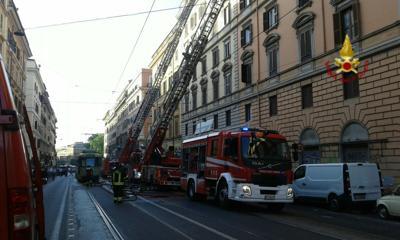 Roma, incendio in appartamento a via Napoleone III: nessun ferito