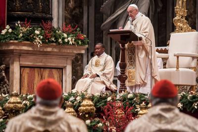 Papa Francesco sui gay : Ogni creatura è amata da Dio