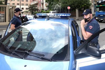 polizia_auto_radio_FTg.jpg (400×267)