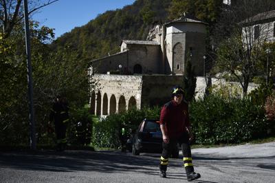 Terremoto nuova forte scossa nella notte, magnitudo 4.8, epicentro a Macerata