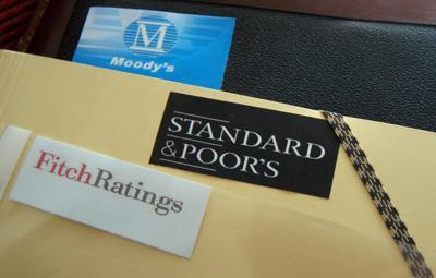 Fitch abbassa il rating dell'Italia a BBB: