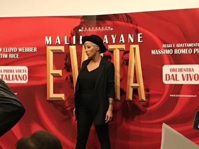 Malika Ayane diventa Evita per la sua prima volta in un musical