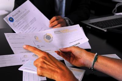Lavoro, in calo le assunzioni con contratti stabili: -32,9% in 8 mesi