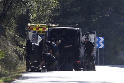 Spagna. Forse fuggito in Francia uno dei terroristi di Barcellona